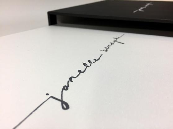 Janelle-Bendycki_Print-Portfolio_Mullenberg-Designs_03